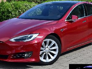 Tesla Model S 75D - AUTOPILOT -DUAL MOTOR